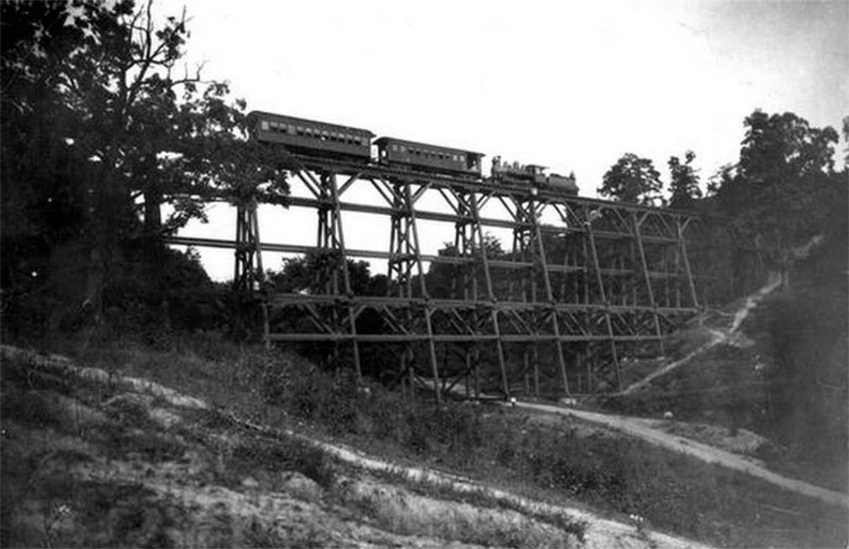 The Pittsburgh and Castle Shannon Railroad (1871-1912)