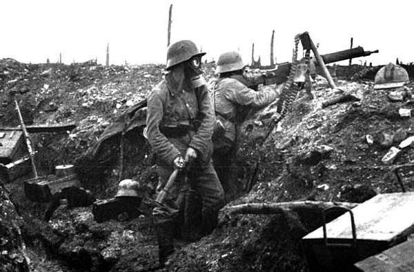 Image result for WW1 German SOLDIER WITH WOODEN CRATE