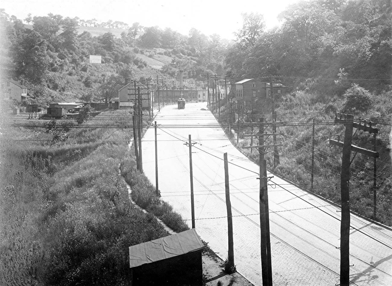 The History Of Brookline First 260 Years 1754 2014 1941 Ford Wiring Harness West Liberty Ave Looking South From Pioneer 1918